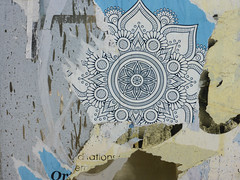 Mandala (mitue) Tags: berlin streetart abriss decollage