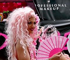 Rainbow Parade Vienna 2019 (lady_sunshine_photos) Tags: atmosphäre atmosphere at austria österreich bilder pics europa europe ladysunshine ladysunshinephotos outdoor stimmung mood sundaylights supershot travel reisen 2019 rainbowparade regenbogenparade wien vienna juni june leicavluxtyp114 portrait rosa pink
