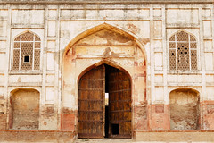 IMG_2400 (aaa.dil) Tags: history fort british sikh pakistan canon old people ghost