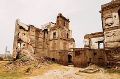 IMG_2447 (aaa.dil) Tags: history fort british sikh pakistan canon old people ghost