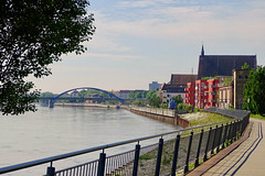 An der Oder (bernstrid) Tags: ffo brandenburg oder fluss wasser brücke weg konzerthalle ufer
