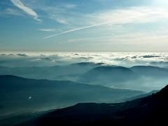 Behe lainoak.. (eitb.eus) Tags: eitbcom 3108 g1 tiemponaturaleza tiempon2019 paisajes gipuzkoa abaltzisketa txominrezolaclemente