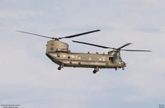 Boeing CH-47 Chinook Royal Air Force (ZD983) (lucas slow) Tags: avion ciel cockpit photo spotting airport chr lflx châteauroux take off landing hélicoptère propeller turboréacteurs roues winglets boeing ch47 chinook royal air force raf zd983