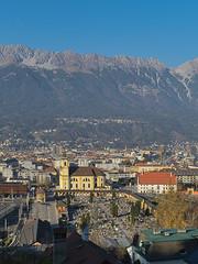 Innsbruck-2018_21 (rhomboederrippel) Tags: rhomboederrippel fujifilm xe1 november 2018 europe austria tyrolia innsbruck alps bergisel blue mountains nordkette city sunny clearsky wilten church cemetary