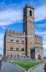 Poppi (AR), 2019, Il Castello dei Conti Guidi. (Fiore S. Barbato) Tags: italy toscana poppi aretino appennino castello conti guidi dante