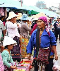 Street market - Kengtung - Myanmar (lotusblancphotography) Tags: travel voyage asia asie myanmar birmanie burma kengtung streetmarket marché people gens