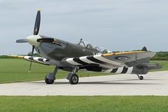 Spitfire T.IX ML407 (G-LFIX) (Gavin Livsey) Tags: sywell glfix ml407 spitfire