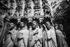 Chartres (Laurent Pagès) Tags: leica leicam10d france centrevaldeloire eureetloir cathédrale cathedral catholic catholique sculpture apôtres apostles summilux50asph ascension feastoftheascension