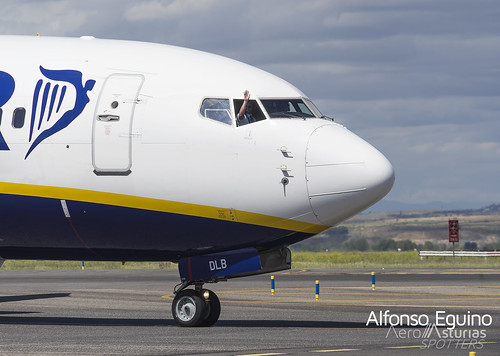Boeing 737-8AS (EI-DLB) Ryanair