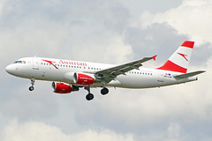 OE-LXB (afellows80) Tags: airbus a320 austrian egll lhr oelxb heathrow