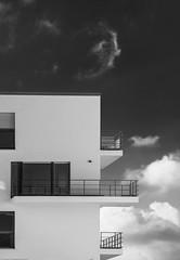 Hellwinkel (hdbrand) Tags: 2019 apovarioelmaritsl128490280 bff hellwinkel juni leicasl neuland objektiv wolfsburg niedersachsen deutschland architektur bw monochrom