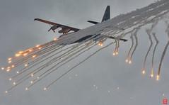 Hercules Fireworks with Flares (Eadbhaird) Tags: airshow ehvk klu koninklijkeluchtmacht luchtmachtdagen2019 military royalnetherlandsairforce netherlands nl nld opendays rnlaf volkelairbase transport g275 flares c130 c130h30 lockheed 336sqn