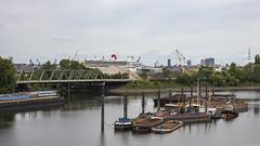 Queen Mary 2 am Horizont (outbreak998) Tags: hamburg deutschland hafen schiffe queen mary canon eos r rf 50mm f12 169 adobergb