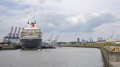 Queen Mary 2 Blick aufs Heck (outbreak998) Tags: hamburg deutschland hafen schiffe queen mary canon eos r rf 50mm f12 169 adobergb