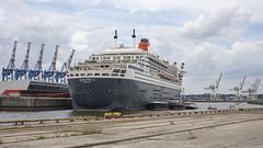 Queen Mary 2 von Steuerbord (outbreak998) Tags: hamburg deutschland hafen schiffe queen mary canon eos r rf 50mm f12 169 adobergb