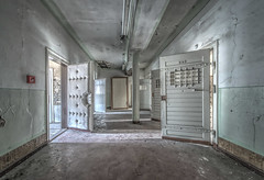 Open doors... (Geppestein) Tags: prison urbex urbanexploring abandoned decay doors hdr thebestofhdr wwwgeppesteinfotografienl nikon d800 lostplaces