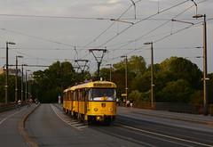 201+277+047 Linie E7 (Kevin Schenkel) Tags: tatra t4d tram strasenbahn sonne verkehr nahverkehr öpnv dvb dresden