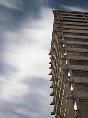 20190615-1084814 (Chris Silva Photography) Tags: offenbach hessen deutschland frankfurt frankfurtammain kwuhochhäuser kaiserlei hochhaus wolkenkratzer architektur gebäude abbruch abriss brüstung beton stützen wolken himmel blau stadt