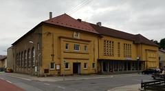 Kino und Sokol Frýdlant (Berliner1963) Tags: tschechien böhmen bohemia cz frýdlant kino lichtspieltheater cinema sokol architektur architecture turnbewegung falke