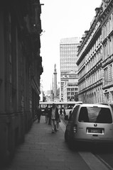 27660012 (X-Ray Alpha Photography) Tags: 35mm ilford hp5 hp5plus glasgow georgesquare hanoverstreet