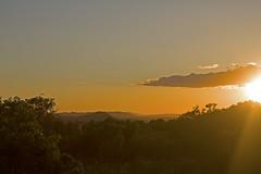 Lumières du couchant .... (SIM8373) Tags: soleil coucher lumière paysage collines var