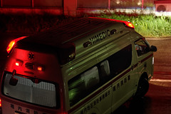 An ambulance left our apartment house. (fukapon) Tags: tweet k3 smc pentax da 55mm f14 smcpda55mmf14sdm niksoftware colorefexpro colorefexpro4 dxolabs dxo photolab dxophotolab2 稚内 wakkanai 北海道 hokkaido 救急車 frommywindow