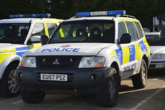 EU57 PSZ (S11 AUN) Tags: essex police mitsubishi shogun 4x4 traffic car anpr rpu roads policing unit 999 emergency vehicle eu57psz