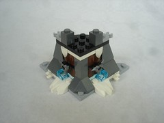 70671 - bunker walls (fdsm0376) Tags: lego set review 70671 ninjago lloyd journey blizzard warrior wolf kitsune