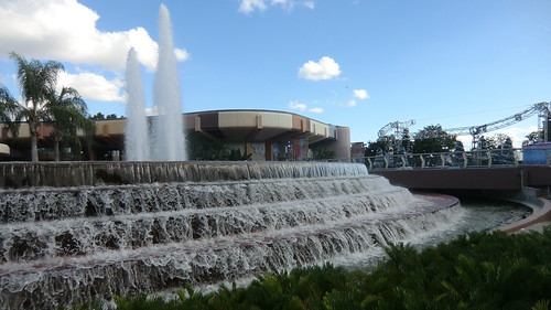 Florida - Orlando: EPCOT  - a fascinating water formation