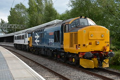 37409 and 90006 Stafford 30/05/2019 (Brad Joyce 37) Tags: 37409 90006 stafford 0z90 class37 class90 drs directrailservices largelogo train