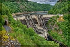 Le barrage de l'Aigle (Frédéric Pagès) Tags: cantal auvergne hauteauvergne auvergnerhônealpes chalvignac aigle barrage hydrolique hydroélectricité edf retenue réservoir fleuve rivière turbines dordogne soursac