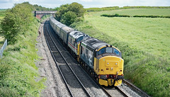 Fathers Day Tractors (Trev 'Big T' Hurley) Tags: 37402 37419 37 llb intercity portway