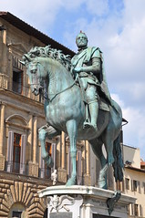 Cosimo de' Medici (Ryan Hadley) Tags: piazzadellasignoria piazza square florence italy europe worldheritagesite cosimodemedici equestrianstatue statue sculpture art renaissance