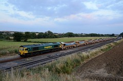 66526 66591 aa Harrowden Jct 140718 D Wetherall (MrDeltic15) Tags: freightliner class66 66526 66591 harrowdenjunction midlandmainline