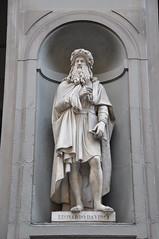 Leonardo Da Vinci (Ryan Hadley) Tags: piazzadellasignoria piazza square florence italy europe worldheritagesite leonardodavinci leonardo davinci statue sculpture art renaissance uffizi uffizigallery galleriadegliuffizi artgallery museum