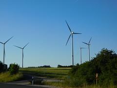 ....die Windräder.... (elisabeth.mcghee) Tags: windräder windmills himmel sky landschaft landscape energie energy neuhof oberfranken frankonia