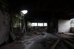 IMG_5286 (mookie427) Tags: urbex urban exploration exploring explorers explorer explore ue derelict dereliction abandonment abandoned decay decayed empty vacant garage mechanics uk