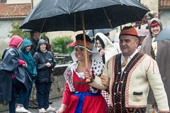 Transhumance sous la pluie (Ariège) (PierreG_09) Tags: seix ariège pyrénées pirineos occitanie couserans hautsalat transhumance tradition fête
