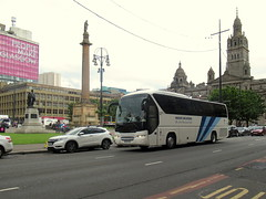Insight Vacations Neoplan Tourliner (miledorcha) Tags: travel square george coach tour glasgow tourist integral incoming contract tours vacations dover coaches insight hetton psv pcv dovers livery neoplan hettonlehole tourliner n2216 n2216shd ou17otd
