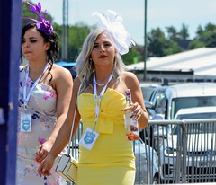 Yellow (PD3.) Tags: girl girls ladies lady milf milfs smile grandstand races racing derby 2019 epsom downs epsomdowns surrey investec