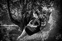 """Ailleurs """"D'encre et d'écorce"""" (N/B) (Yvan.David) Tags: poésie poetry portrait femme forêt nikon d750 yvandavid"""