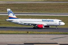 LY-NVR SunExpress (AvionExpress) Airbus A320-214 (buchroeder.paul) Tags: eddl dus dusseldorf düsseldorf nordrheinwestfalen north rhinewestphalia germany deutschland europe europa ground boden dawn morgen