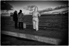 Michelin pescador (Alex Dukal) Tags: mobile smartphone phonegraphy samsung s9plus blancoynegro bw blackandwhite pier fishing puertomadryn chubut patagonia pescador muelle