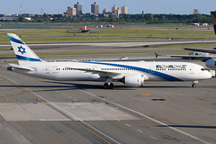"4X-EDH | Boeing 787-9 Dreamliner | El Al ""Beer Sheva"" (cv880m) Tags: newyork jfk kjfk kennedy johnfkennedy aviation airliner airline aircraft jetliner airport airplane 4xedh boeing 787 7879 789 dreamliner elal israel beersheva"