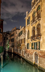 Venice After Dark (derek.dpr) Tags: venice venise venezia italia italy architecture architectural sony rx100 rx100m3 on1pics on1 urban canal