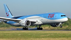G-TUIL (AnDyMHoLdEn) Tags: thomson tui 787 dreamliner egcc airport manchester manchesterairport 05r