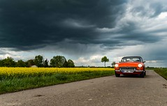 here comes the rain again (carsten.plagge) Tags: 2019 a6300 cp55 carstenplagge farben himmel mg mgb roadster rot