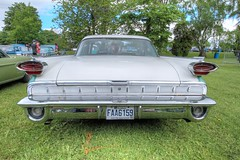 Oldsmobile (Luckyquebec) Tags: car voiture oldsmobile hdr