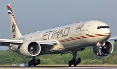 A6-ETQ (AnDyMHoLdEn) Tags: etihad 777 boeing777 egcc airport manchester manchesterairport 05r