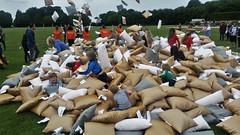 pillow fight / Kissenschlacht II (marcostetter) Tags: ikea urban landscape park people pillow fight
